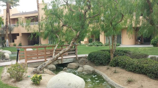 The Westin Mission Hills Villas : little bridge by the lagoon
