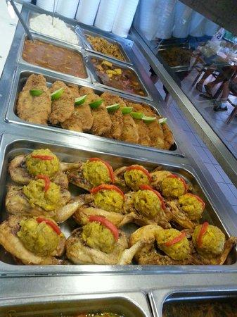 Las Canarias: fresh made lunch specials