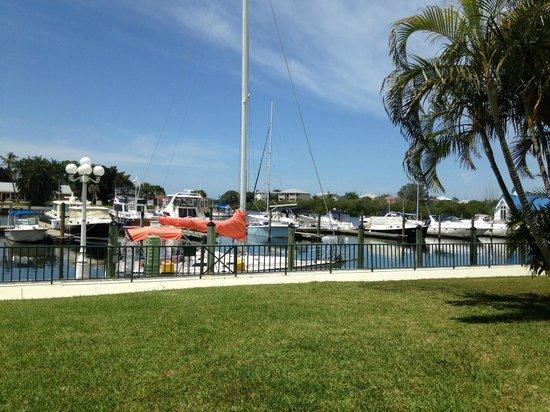 Ramada Sarasota: i want a boat