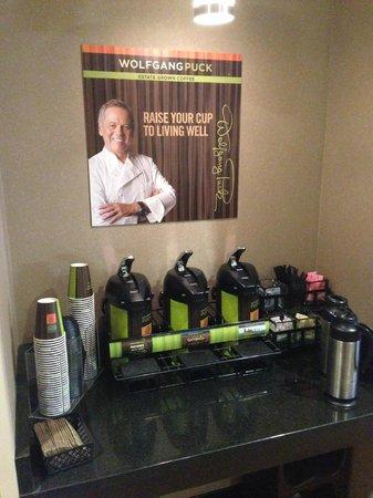 Cambria Hotel & Suites Rapid City: Coffee Shop
