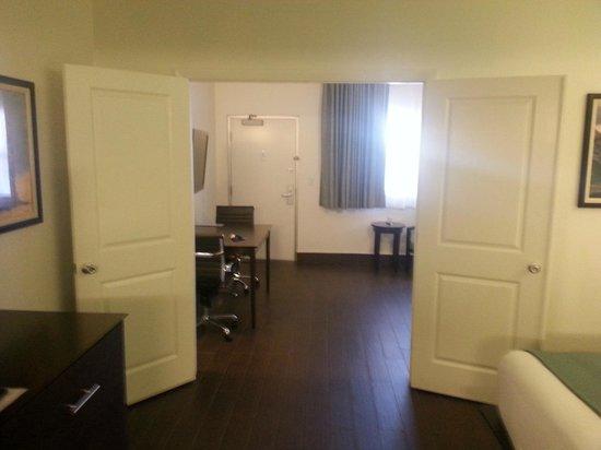 Jaybird's Inn : room
