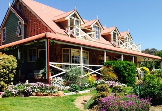 Hawks Nest Bed and Breakfast