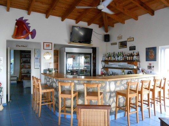 Shannas Cove Resort: The Bar