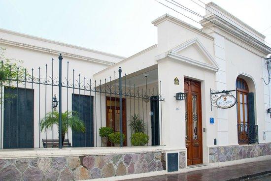 Posada El Arribo: FACHADA