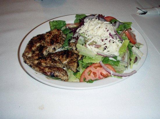 Cold Creek Inn Restaurant & Motel: Grilled Chicken Salad
