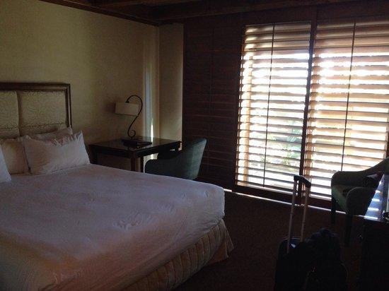 Humphreys Half Moon Inn & Suites : King room