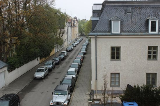 Hotel Laimer Hof: View from hotel staircase