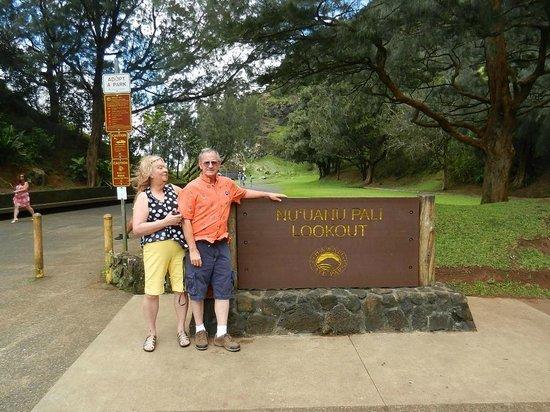 Roberts Hawaii: Mary and Steve