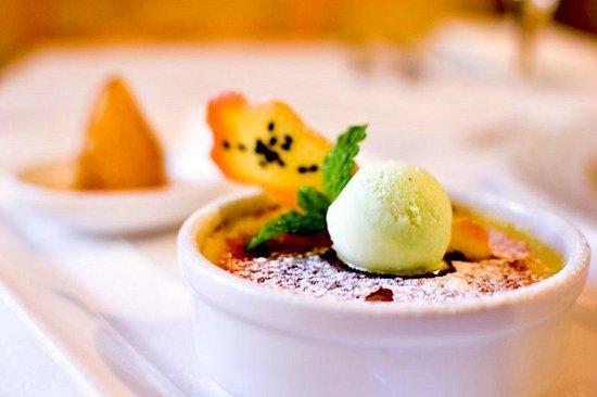 Capistrano Restaurant : vanilla creme brûlée