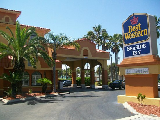 Best Western St. Augustine Beach Inn : View from the street
