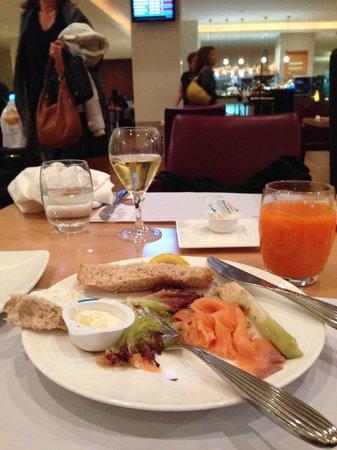 Silk Path Hotel: comedor