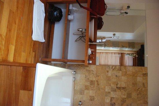 Hostellerie l'Imaginaire : Salle de bains