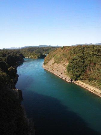 Manzekiseto: 13.10.12【万関瀬戸】万関橋から見える瀬戸(西側)