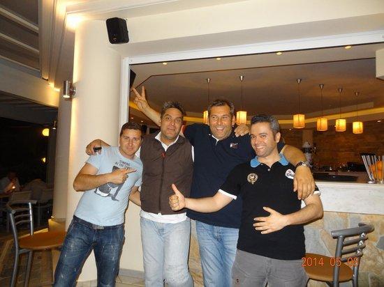 Hotel Kedrissos: Andrea, Niko with staff_1