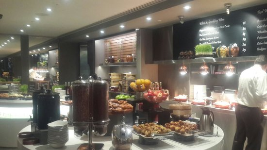 Rydges Melbourne Hotel: Breakfast at Rydges hotel Melbourne