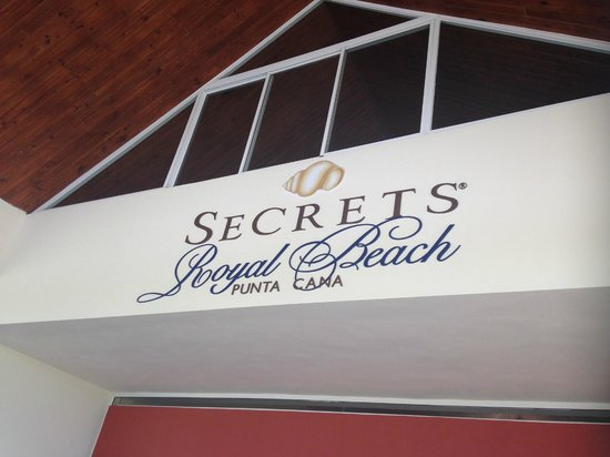 Secrets Royal Beach Punta Cana: front