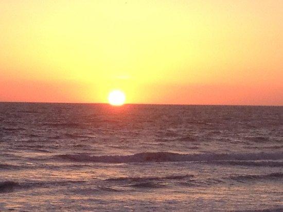 Torres Mazatlan Resort: Awesome sunsets!!!