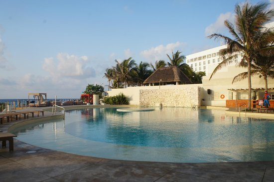 Sunset Royal Beach Resort: Piscina