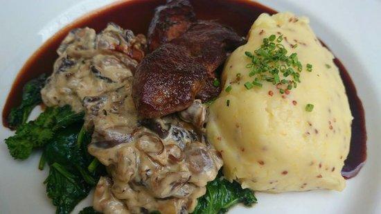 Black Lion: Venison steak with a port-berry jus