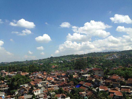 Hotel Accordia Dago : View of a village at the slopes of Dago