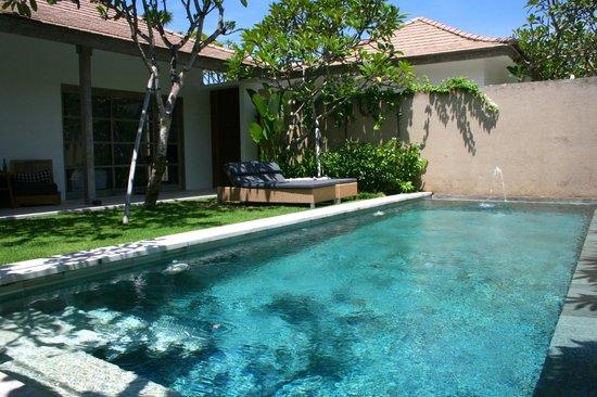 Uma Sapna pool villa