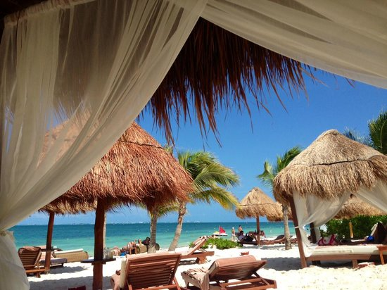 Excellence Playa Mujeres : view from beach bed on Excellence Club beach area