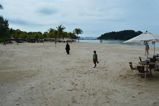 Berjaya Langkawi Resort - Malaysia : very clean beach area
