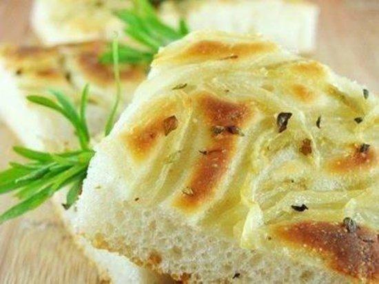 Amore e Gusto: Pan focaccia hecho en casa.