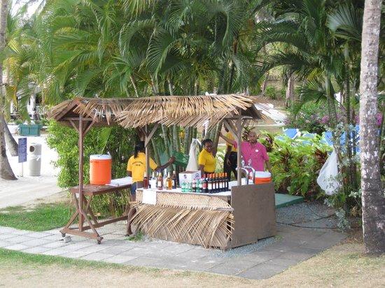St. James's Club Morgan Bay : Beach bar
