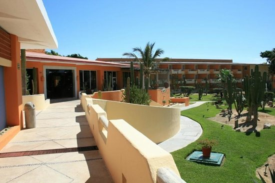 Posada Real Los Cabos: view of lobby and west wing