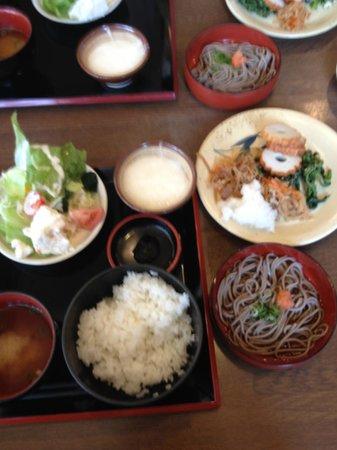 Hotel Alpha One Izumo: 朝食、出雲の名物がいろいろ選べます