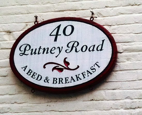 Inn on Putney Road Bed and Breakfast: Guest Entrance