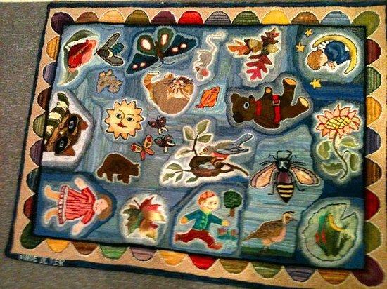 Latimer Quilt & Textile Center: Hooked rug