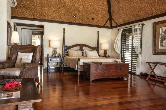 Pacific Resort Aitutaki: Ultimate Beachfront Suite