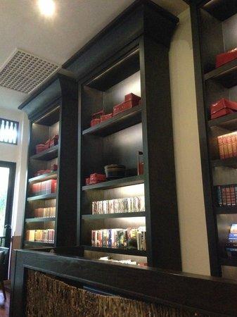 Anantara Bophut Koh Samui Resort : Library