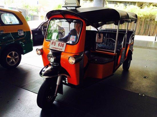SO Sofitel Bangkok : Free tuk-tuk service from hotel to nearest sky train station