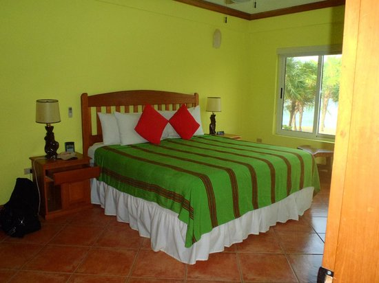 Laru Beya Resort & Villas: LARGE BEDROOM