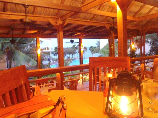 Laru Beya Resort & Villas: RESTAURANT