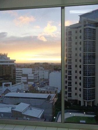 Meriton Serviced Apartments Bondi Junction: View from LR