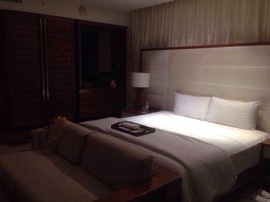 Secrets The Vine Cancun: Bed