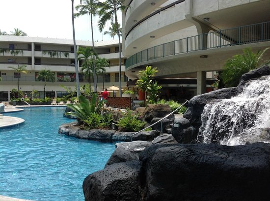 Sheraton Kona Resort & Spa at Keauhou Bay : interior pool -- the exterior pool has a larger slide; this pool is kid-friendly