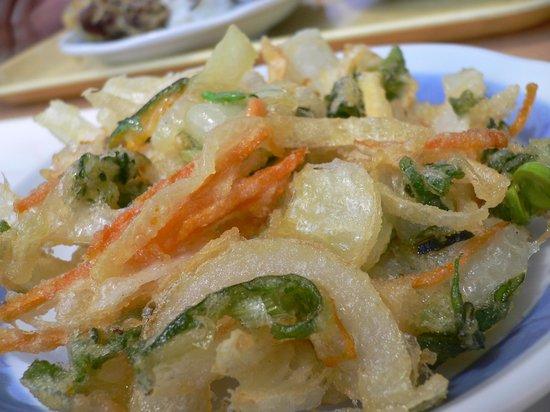 Udondokoroshinsei : かき揚げも抜群に美味しい