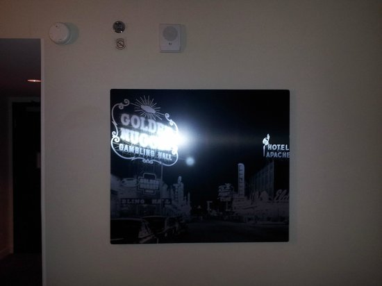 Renaissance Las Vegas Hotel: Old Vegas Picture in Room