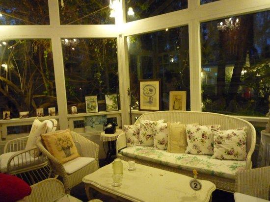 Chivit Thamma Da Coffee House : 店内2