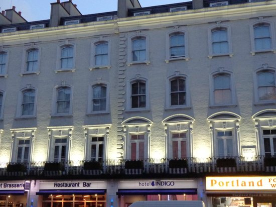 Hotel Indigo London-Paddington: View of Hotel from Street