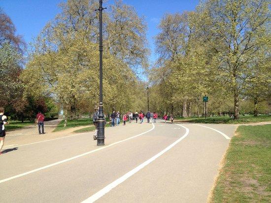 Hyde Park : Bike path