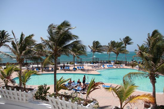 Coconut Bay Beach Resort & Spa : Activity pool