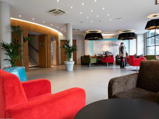 Panorama Hotel: hotel lobby