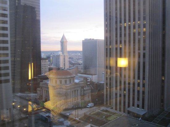 Renaissance Seattle Hotel: View.