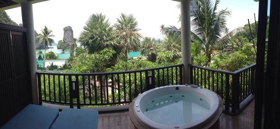 Centara Grand Beach Resort & Villas Krabi : Ocean facing with no ocean view!